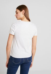 Tommy Jeans - TJW CORP LOGO TEE - T-shirts print - pale grey heather - 2