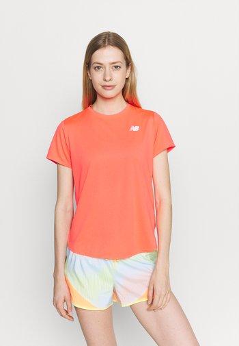 ACCELERATE SHORT SLEEVE - T-shirts basic - vivid coral