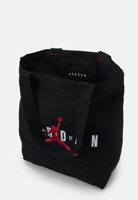 Jordan - JAN TOTE BAG - Sacchetto sportivo - black - 2