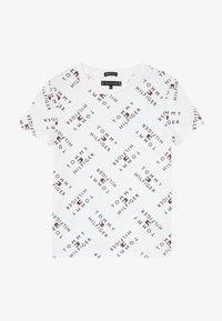 Tommy Hilfiger - LOGO TEE  - T-shirts print - white - 2