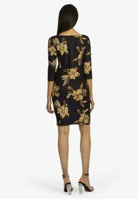 Apart - Jersey dress - schwarz-multicolor - 1