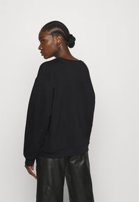 Selected Femme - SLFARTISTA CAMILLE  - Sweatshirt - black - 2