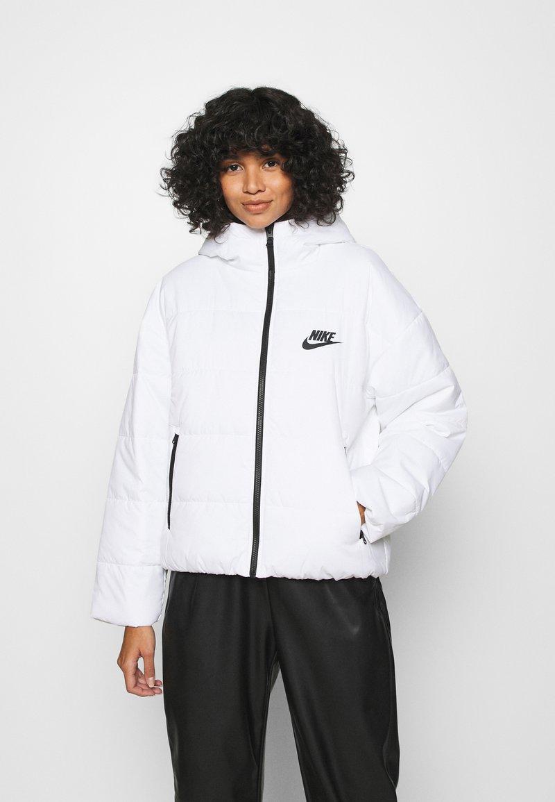 Nike Sportswear - CORE  - Light jacket - white