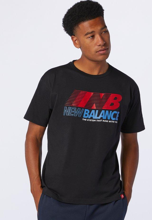 ESSENTIALS SPEED ACTION TEE - T-shirt imprimé - black