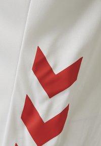 Hummel - DUO SET - Sports shorts - white/true red - 5