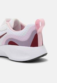 Nike Sportswear - WEARALLDAY UNISEX - Baskets basses - white/dark beetroot/pink(dark smoke grey - 4