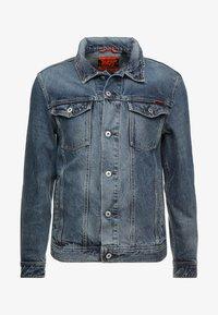 HIGHWAYMAN TRUCKER - Kurtka jeansowa - vale mid blue