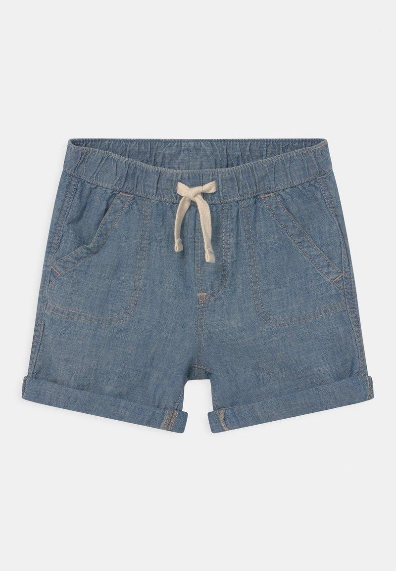 GAP - CHAM - Denim shorts - blue chambray