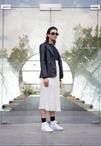 Nike Sportswear - BLAZER MID  - High-top trainers - white/sail/metallic gold/atomic pink - 1