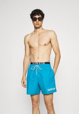 MEDIUM DOUBLE - Shorts da mare - blue