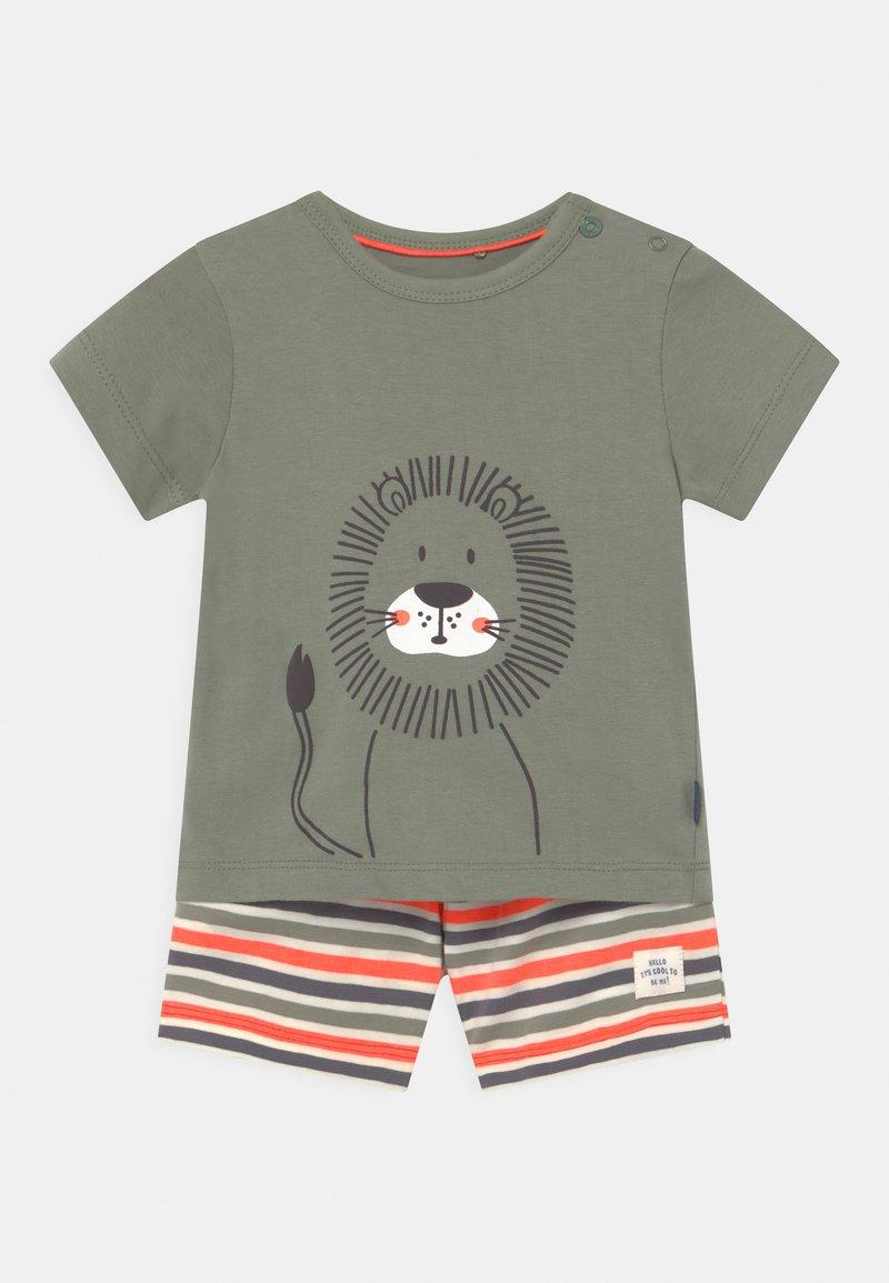 Staccato - SET - Print T-shirt - khaki/orange
