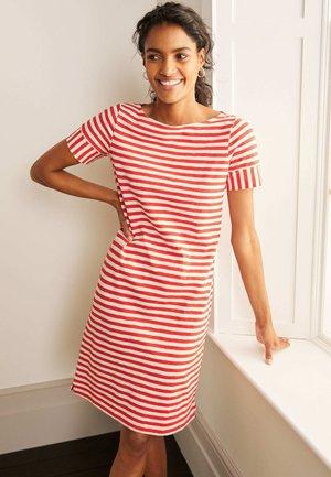 DARCEY - Jersey dress - kirschrot/naturweiß