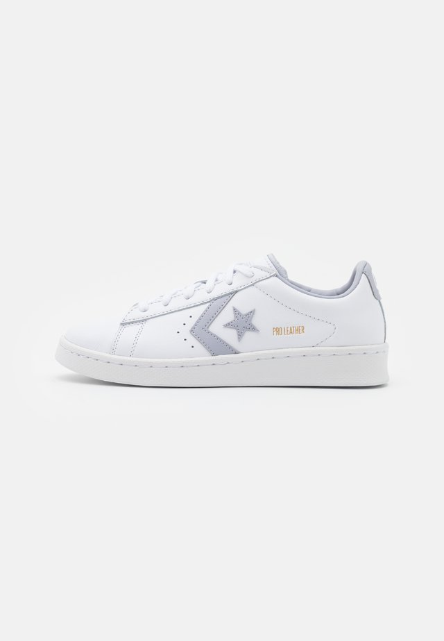 PRO UNISEX - Zapatillas - white/gravel