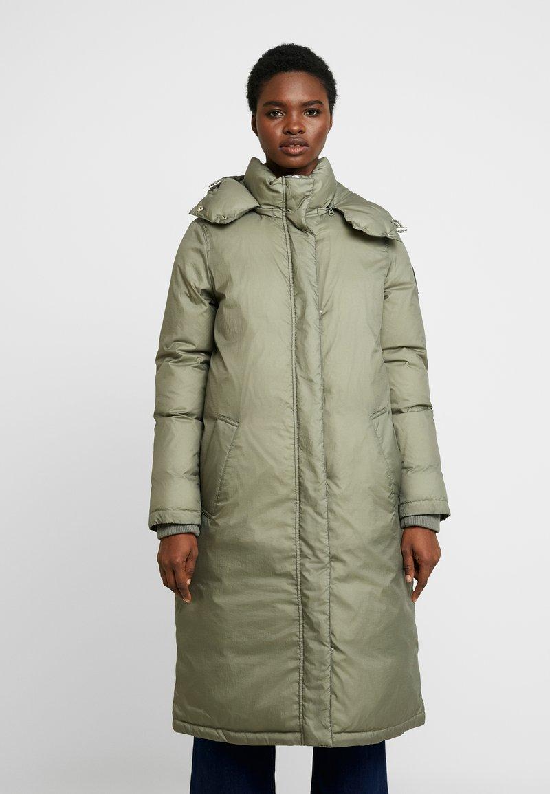 Calvin Klein - CRINKLED PUFFER COAT - Vinterkåpe / -frakk - green