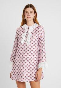 Sister Jane - FOAL RUFFLE MINI DRESS - Shirt dress - pink - 0