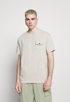 CITY MADE  - T-shirt - bas - light bone/white
