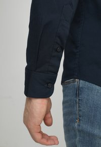 Solid - TYLER - Koszula biznesowa - insignia - 5