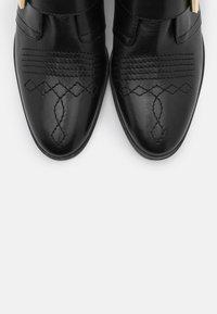 Copenhagen Shoes - MELODI  - Cowboy/biker ankle boot - black - 5