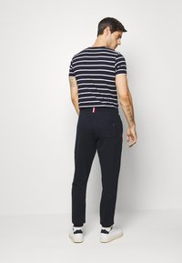 Tommy Hilfiger - Trainingsbroek - blue - 2