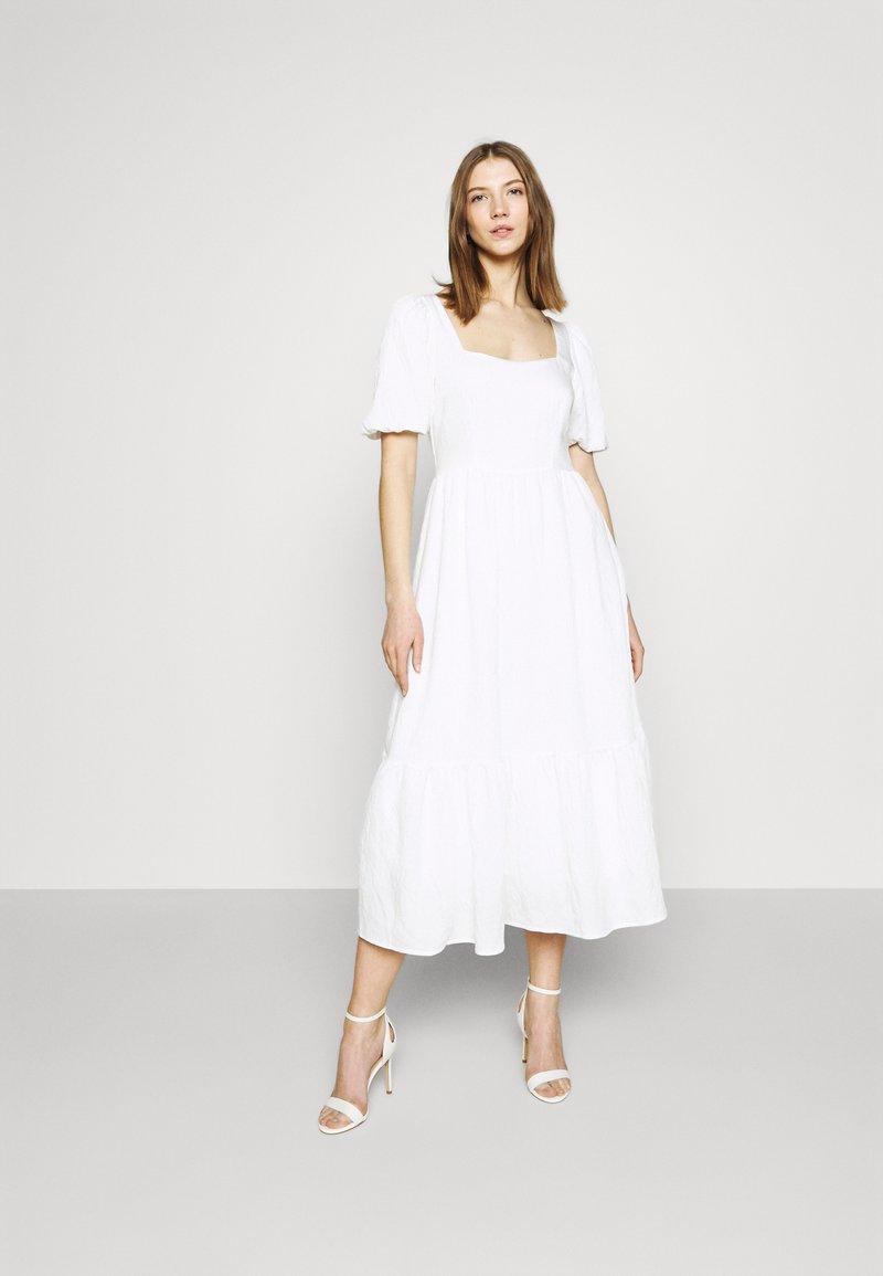NA-KD - STRUCTURED VOLUME MIDI DRESS - Maxi dress - white