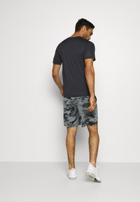 Nike Performance - DRY TEE CAMO - T-shirt print - black - 2