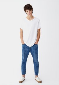 PULL&BEAR - Basic T-shirt - white - 1