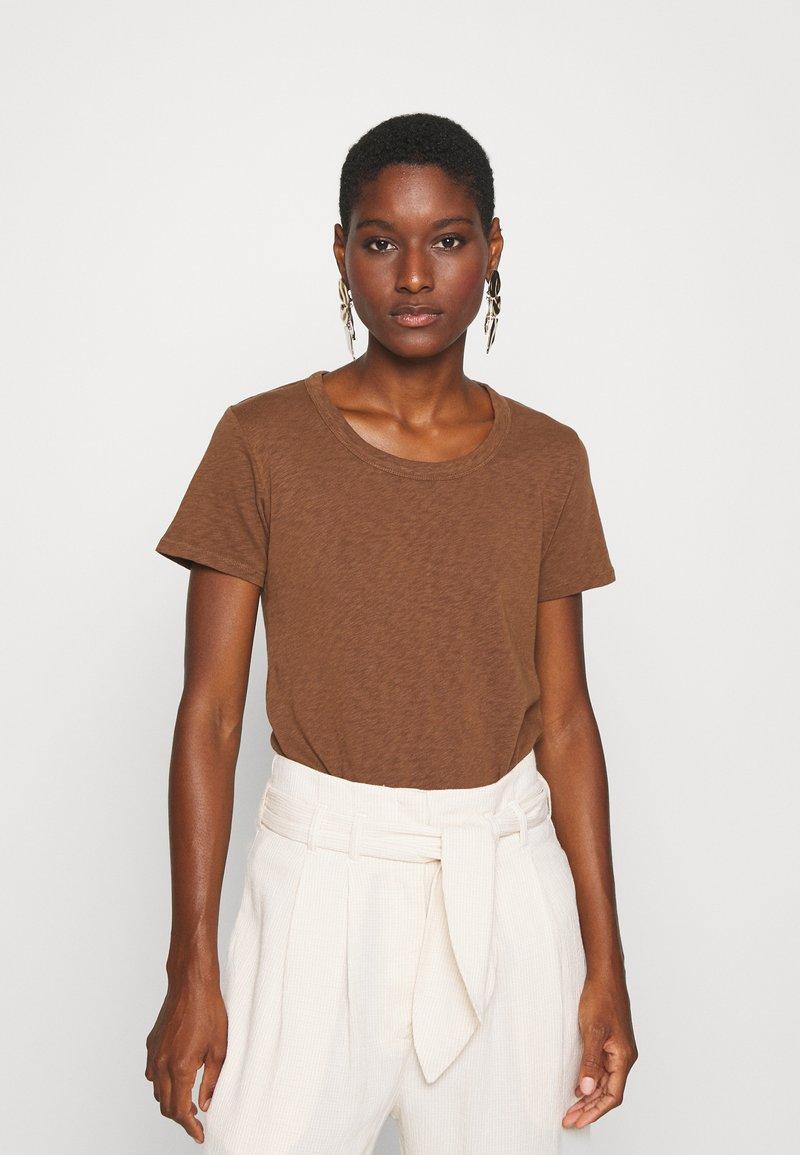 Marc O'Polo DENIM - SHORT SLEEVE CREWNECK SLIM FIT - Basic T-shirt - coconut shell