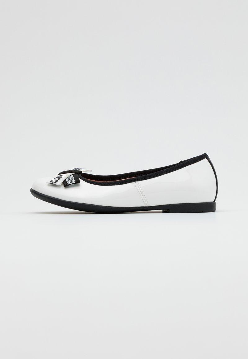 MOSCHINO - Ballet pumps - white