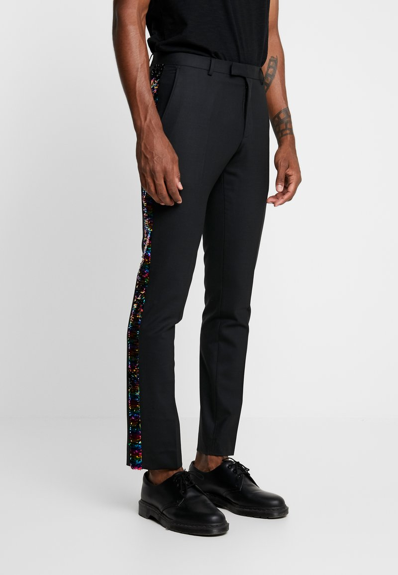 Twisted Tailor - LIQUORICE TROUSER EXCLUSIVE PRIDE - Bukser - black