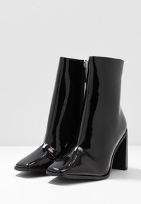 RAID Wide Fit - WIDE FIT FRANKY - High heeled ankle boots - black crinkle - 4