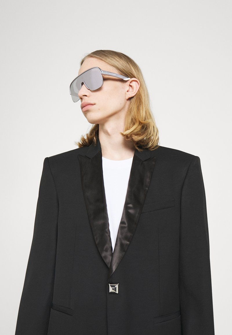 Alexander McQueen - UNISEX - Sunglasses - violet/silver
