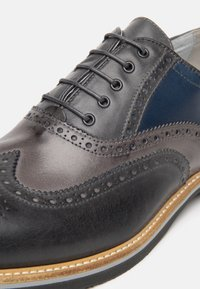 NeroGiardini - Šněrovací boty - antracite - 4
