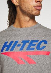 Hi-Tec - BEN - T-shirt print - collegiate grey marl - 5