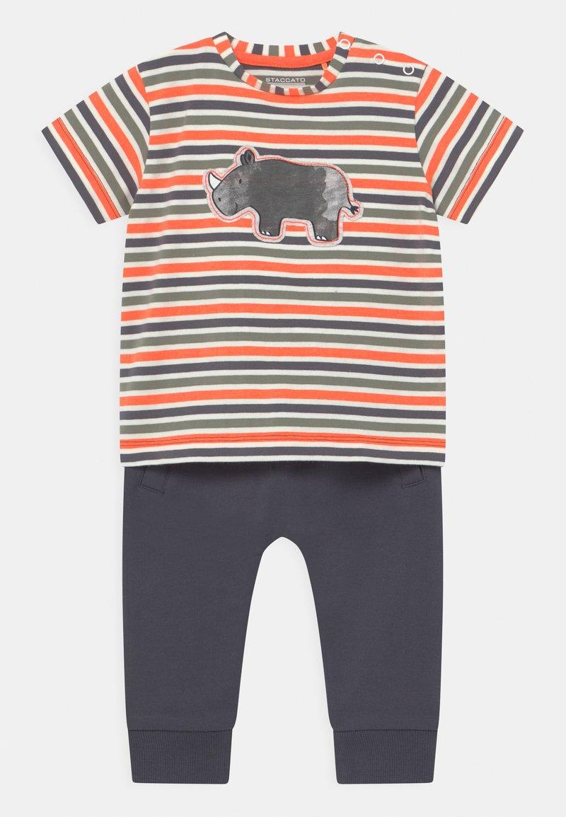 Staccato - SET - T-shirt print - dark blue/orange