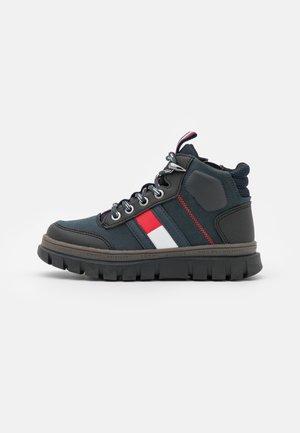 Lace-up ankle boots - blue/black