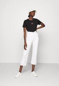 Calvin Klein Jeans - MONOGRAM LOGO TEE - T-paita -  black/party pink - 1