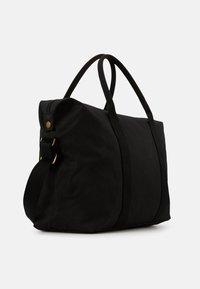 Barbour - EADAN HOLDALL UNISEX - Weekend bag - black - 2