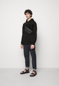 Michael Kors - LOGO HOODIE - Sweatshirt - black - 1