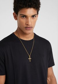 Nialaya - CHAIN WITH CROSS PENDANT - Necklace - gold-coloured - 1