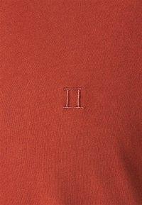 Les Deux - AUSTIN - Jednoduché triko - rust red - 4