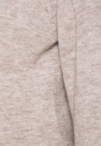 Pieces Maternity - PCMPAM ONECK - Jumper - warm taupe - 2