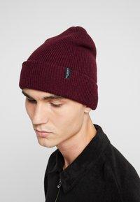 Selected Homme - SLHNEWWOOL BEANIE - Bonnet - burgundy - 1