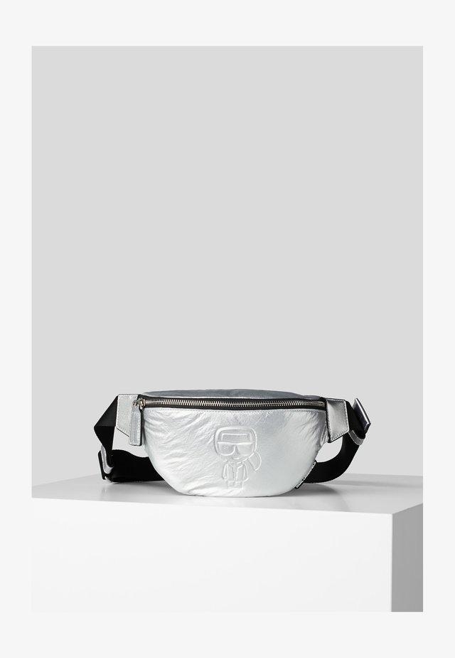 Vyölaukku - silver