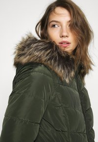 ONLY - ONLNEWMINEA QUILTED HOOD COAT - Parka - rosin - 5