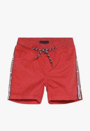 SMALL BOYS BERMUDA - Shorts - ribbon red