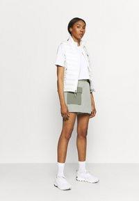 The North Face - PARAMOUNT SKORT - Sports skirt - dark grey/olive - 1