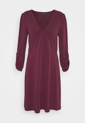 VMALBERTA V NECK DRESS  - Jersey dress - winetasting