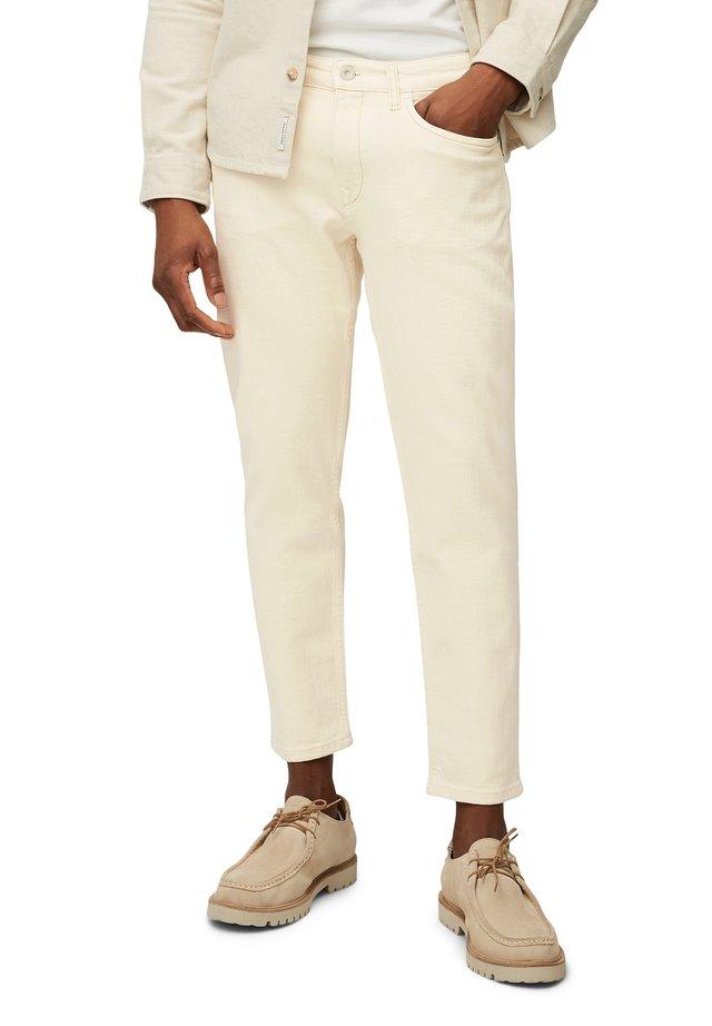 SKEE - Jeans slim fit - ecru organic wash