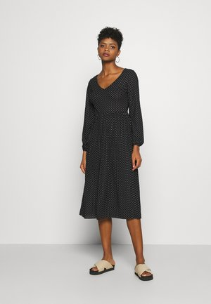 JDYHELEN LONG DRESS - Jersey dress - black/cloud dancer