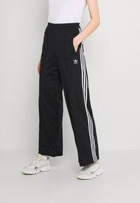 adidas Originals - TRACK PANTS - Pantalones deportivos - black - 0